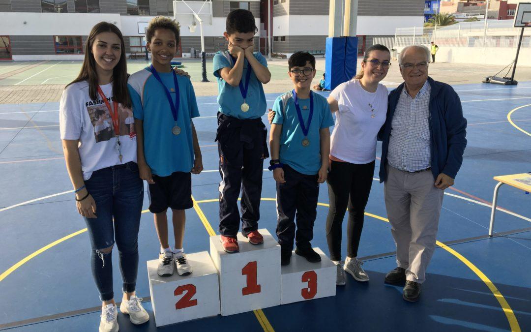 Entrega de premios por Don Bosco